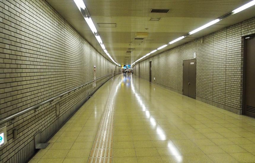 祇園駅通路25