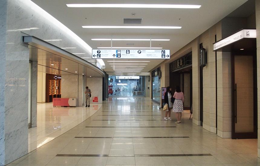 JR博多シティ3階デッキ12