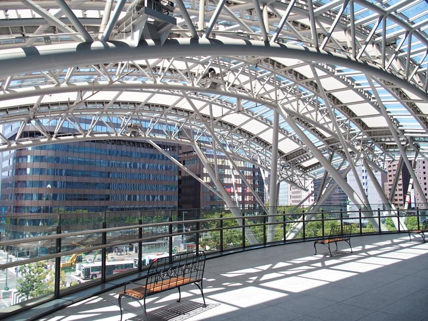 JR博多シティ3階デッキ9