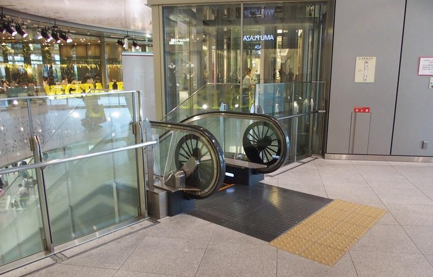 JR博多シティ3階デッキ4
